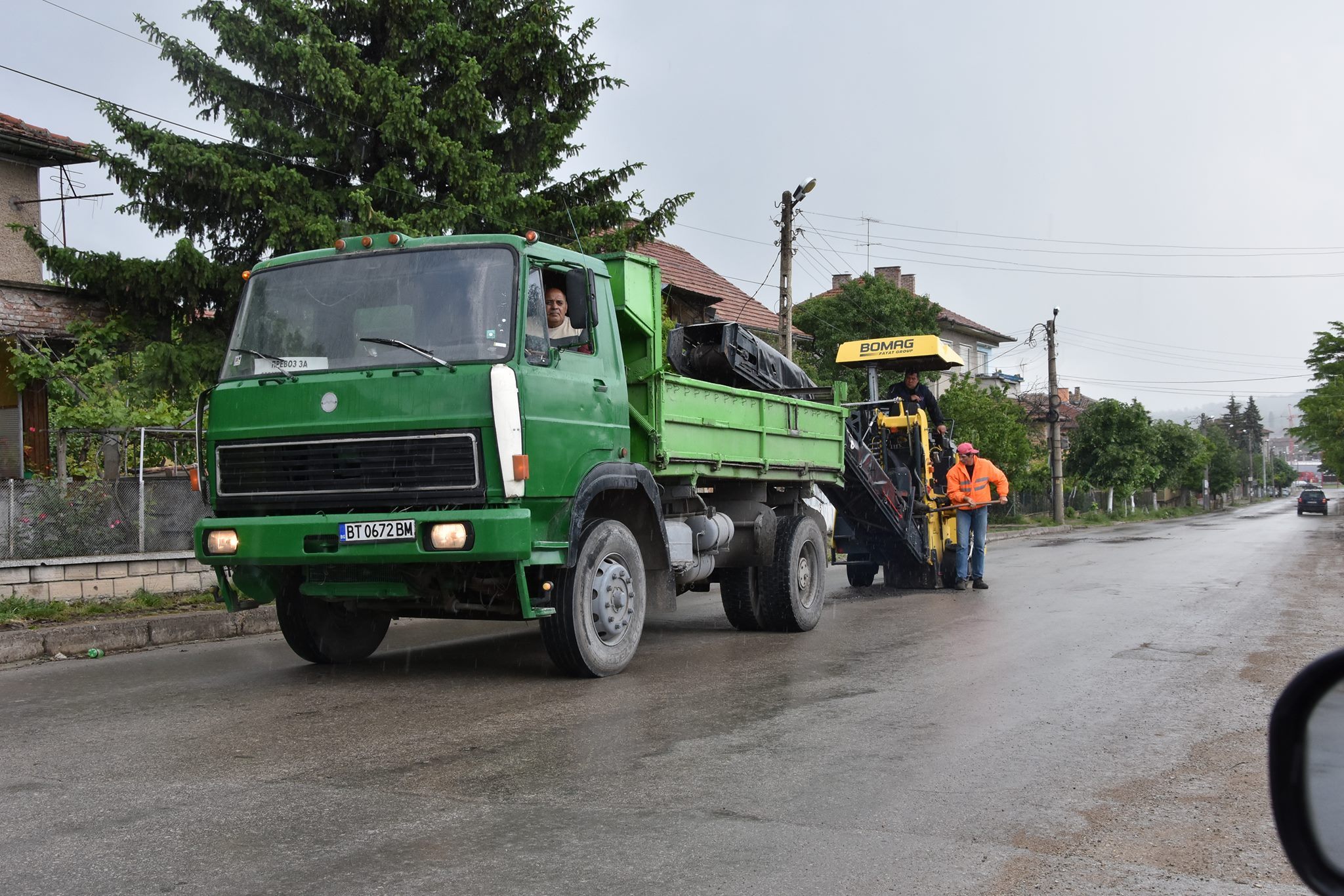 Започна изкърпването на дупки по уличната мрежа в общината