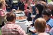Вкусни гозби опитаха гостите на Празника на първомайския разсол