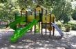 """Нови съоръжения за игра и обновен двор имат вече децата от ДГ """"Детски свят"""" в Горна Оряховица"""